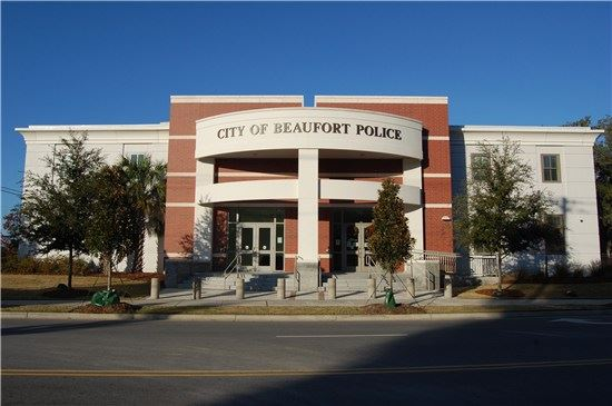 Front view of current Beaufort Police Department building